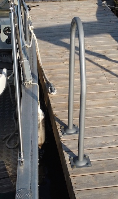 Boarding Buddy – A Stable Grip While Exiting a Boat